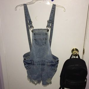 Cute light wash overalls!